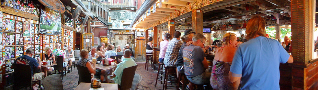 The Famous Hog's Breath bar and restaurant. (this image is click to enlarge)