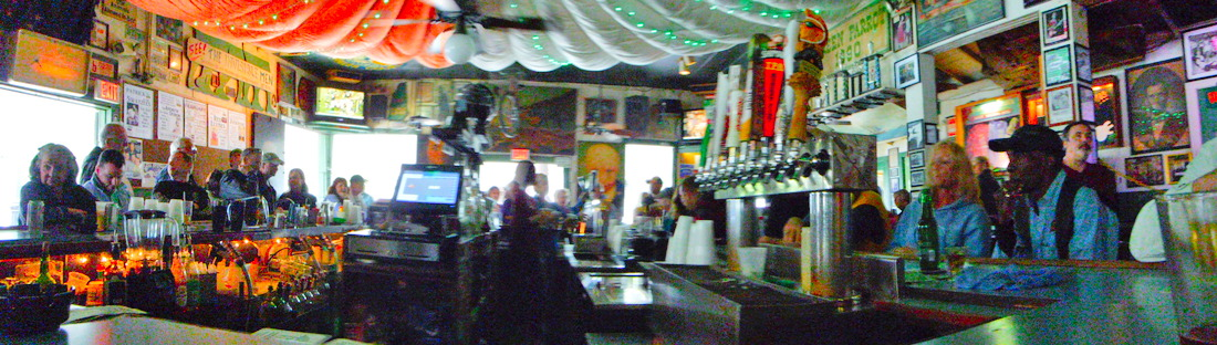 The Green Parrot, an icon of bars in Key West. (This image is click to enlarge)