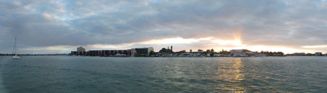 Night falls on Marco Island. (This pic is click to enlarge.)