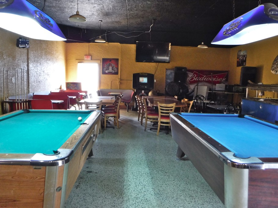 We spent a big night out in Moore Haven. This was the bar.