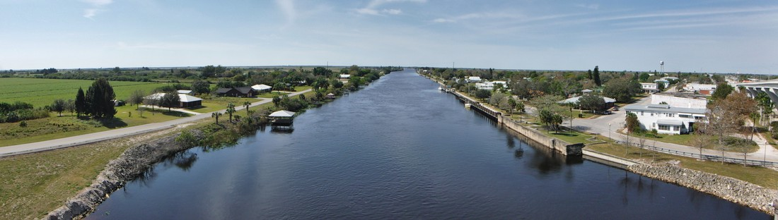 View of the Caloosahatchee River/Okeechobee Waterway towards the west.