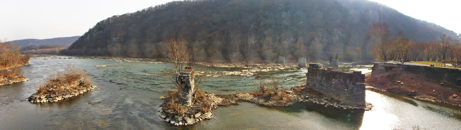 Intersection of the Potomac and Shenandoah Rivers. (click this pic to enlarge)