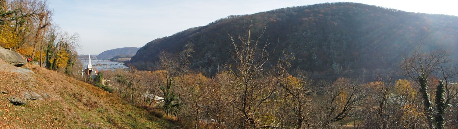 A view of the church at Harpers Ferry and the Potomac River from the Appalachian Trail. (click this pic to enlarge)
